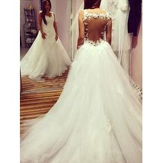 Ball-Gown Sweetheart Chapel Train Wedding Dresses With Appliques Lace