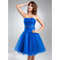 A-Line/Princess Sweetheart Knee-Length Cocktail Dresses With Ruffle Beading (016015578)