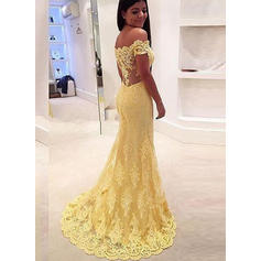 Trumpet/Mermaid Off-the-Shoulder Sweep Train Prom Dresses