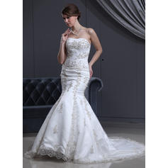 Trumpet/Mermaid Sweetheart Court Train Wedding Dresses With Beading Appliques (002000301)