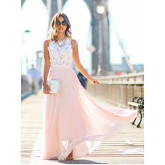 A-Line/Princess Scoop Neck Floor-Length Evening Dresses With Lace