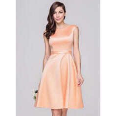 A-Line/Princess Off-the-Shoulder Knee-Length Satin Bridesmaid Dress (007060603)