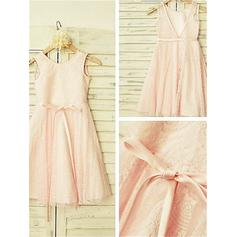 A-Line/Princess Scoop Neck Tea-length With Sash Lace Flower Girl Dresses