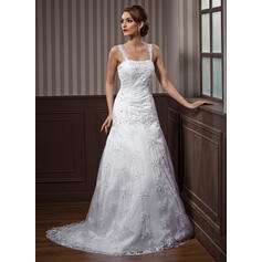 A-Line/Princess Sweetheart Court Train Lace Wedding Dress With Beading