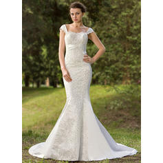 Trumpet/Mermaid Sweetheart Court Train Wedding Dresses With Lace Sequins