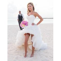 A-Line/Princess Sweetheart Chapel Train Wedding Dresses With Ruffle (002144850)