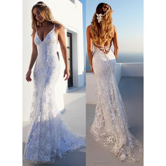 Trumpet/Mermaid V-neck Court Train Wedding Dresses With Lace (002218070)