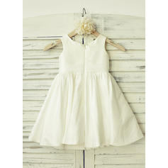 Delicate Scoop Neck A-Line/Princess Flower Girl Dresses Knee-length Taffeta Sleeveless