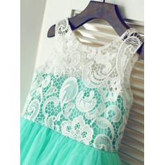 A-Line/Princess Scoop Neck Knee-length With Pleated Tulle/Lace Flower Girl Dresses (010211809)