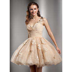 A-Line/Princess One-Shoulder Short/Mini Tulle Homecoming Dresses With Ruffle Beading Flower(s)