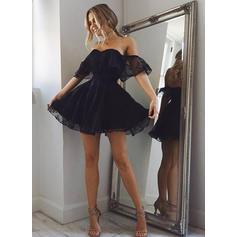 A-Line/Princess Off-the-Shoulder Short/Mini Lace Homecoming Dresses With Ruffle (022212383)
