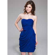Sheath/Column Sweetheart Knee-Length Cocktail Dresses With Ruffle