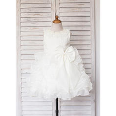 A-Line/Princess Scoop Neck Knee-length With Ruffles/Lace/Beading Satin/Tulle Flower Girl Dresses