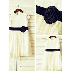 A-Line/Princess Scoop Neck Tea-length With Sash/Flower(s) Lace Flower Girl Dresses