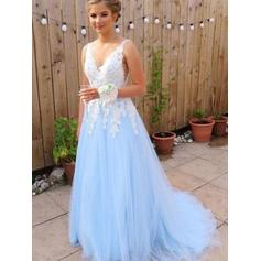 A-Line/Princess V-neck Sweep Train Prom Dresses With Appliques (018218668)