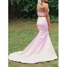 form fitting plus size prom dresses