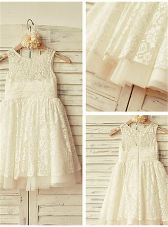 A-Line/Princess Scoop Neck Knee-length With Pleated Lace Flower Girl Dresses