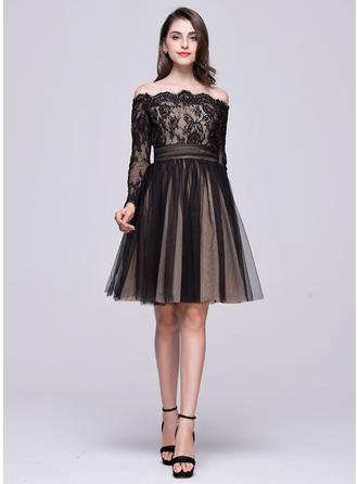 A-Line/Princess Off-the-Shoulder Knee-Length Tulle Lace Homecoming Dresses With Ruffle Bow(s)
