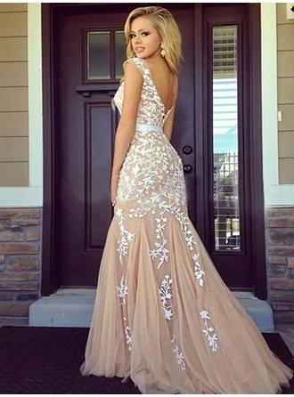 Sheath/Column Tulle Prom Dresses Appliques Lace Scoop Neck Sleeveless Floor-Length