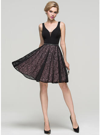 A-Line V-neck Knee-Length Lace Cocktail Dress With Beading