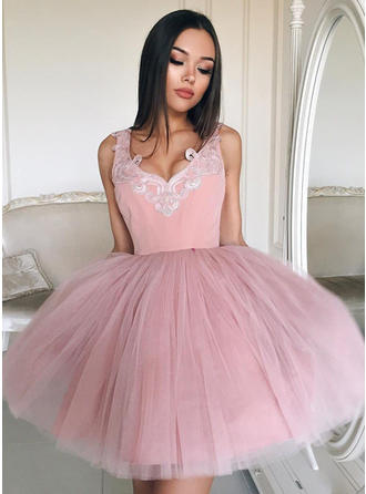 Ball-Gown V-neck Short/Mini Tulle Homecoming Dresses With Appliques Lace