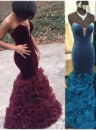 Trumpet/Mermaid Sweetheart Floor-Length Prom Dresses With Cascading Ruffles