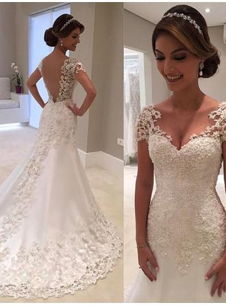 Trumpet/Mermaid V-neck Court Train Wedding Dresses With Lace