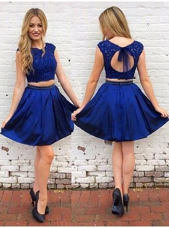 A-Line/Princess Scoop Neck Short/Mini Homecoming Dresses With Sash Beading Bow(s)