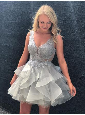 A-Line/Princess V-neck Short/Mini Organza Homecoming Dresses With Appliques Lace