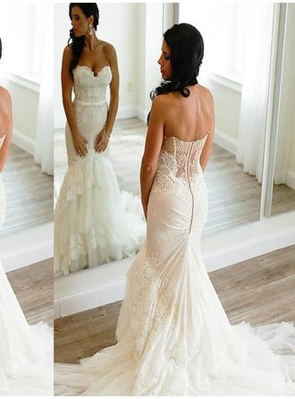 Trumpet/Mermaid Sweetheart Court Train Wedding Dresses With Lace Appliques Lace