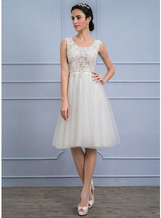 A-Line/Princess Scoop Neck Knee-Length Tulle Lace Wedding Dress