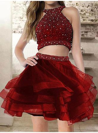 A-Line/Princess Scoop Neck Short/Mini Homecoming Dresses With Ruffle Beading
