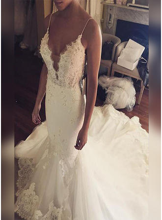 Trumpet/Mermaid V-neck Court Train Wedding Dresses With Appliques Lace