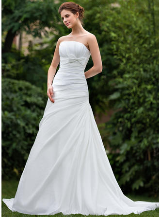 A-Line/Princess Taffeta Sleeveless Strapless Court Train Wedding Dresses