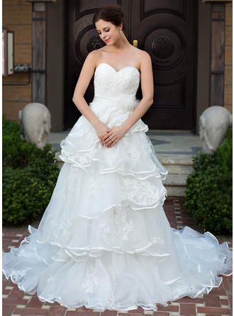 A-Line/Princess Sweetheart Chapel Train Wedding Dresses With Lace Beading Flower(s) Bow(s) Cascading Ruffles