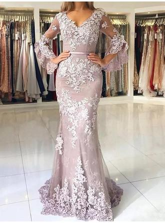 Trumpet/Mermaid V-neck Sweep Train Tulle Evening Dresses With Appliques Lace
