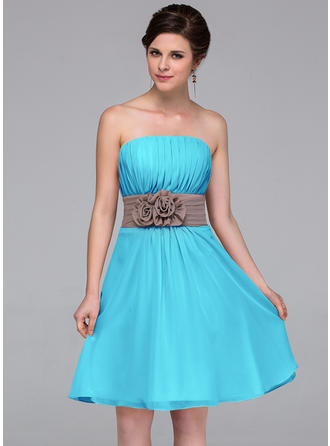 A-Line/Princess Chiffon Bridesmaid Dresses Sash Flower(s) Strapless Sleeveless Knee-Length
