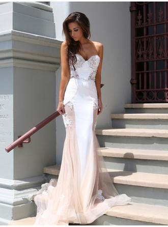 Trumpet/Mermaid Strapless Court Train Evening Dresses With Lace