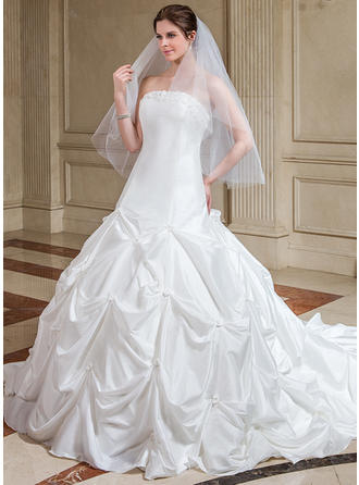 Ball-Gown Taffeta Sleeveless Strapless Cathedral Train Wedding Dresses