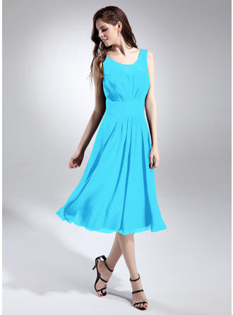 A-Line/Princess Chiffon Bridesmaid Dresses Ruffle Scoop Neck Sleeveless Knee-Length