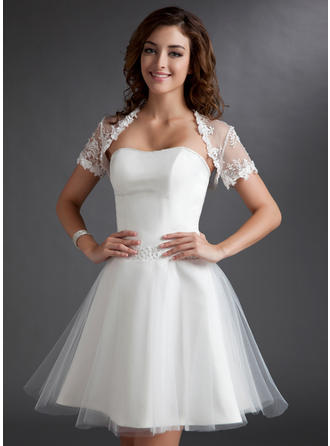 A-Line/Princess Sweetheart Knee-Length Wedding Dresses With Ruffle Beading