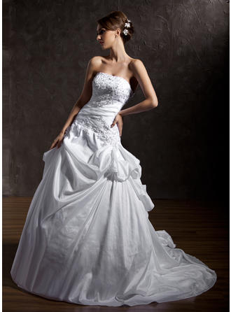 Sexy Strapless Ball-Gown Wedding Dresses Chapel Train Taffeta Sleeveless